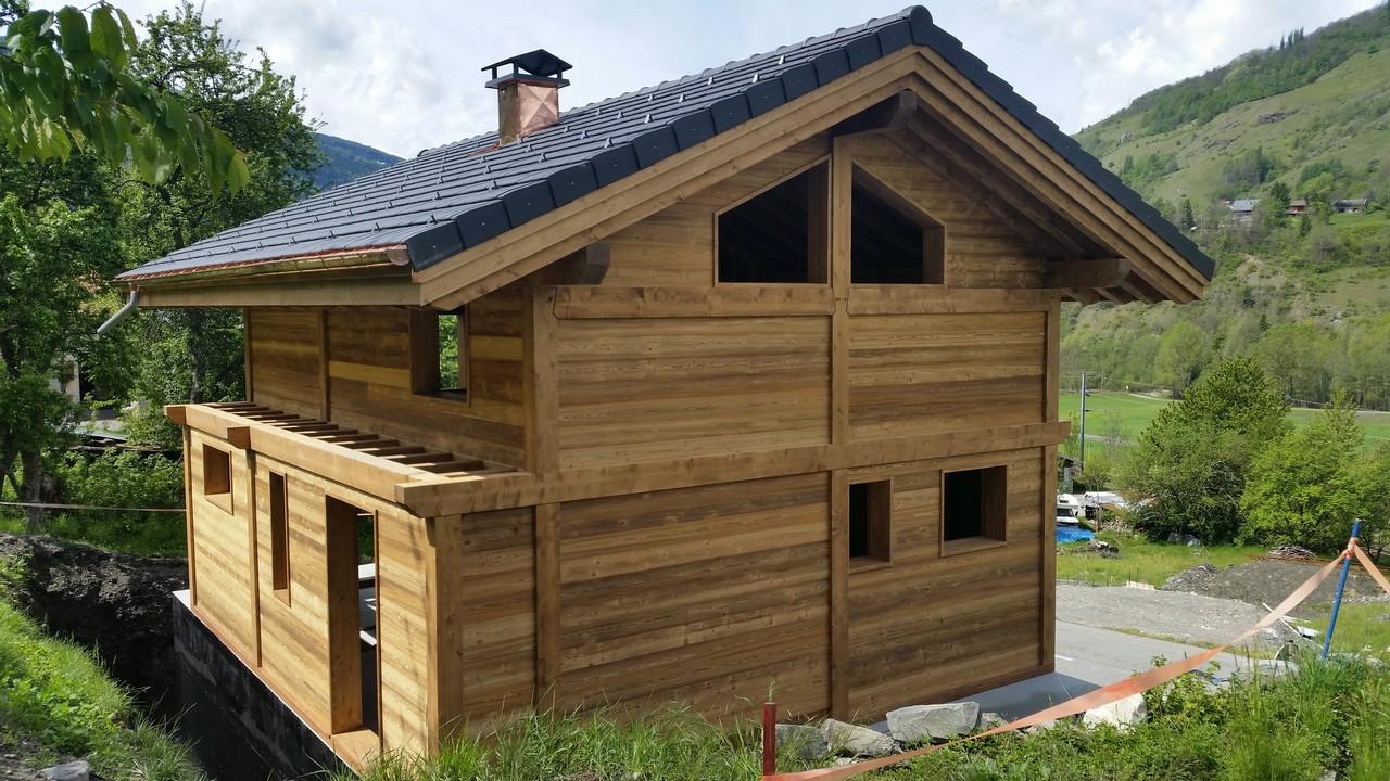 Chalets maisons ossature bois aime en savoie battendier for Chalet maison bois