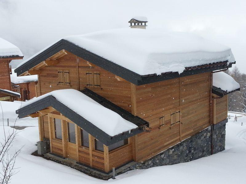Maisons et chalets en bois cliquez sur lu0027image pour for Chalet et maison en bois